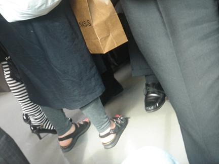 Feet_tokyo